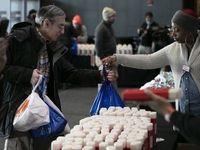 کارمندان دولت آمریکا دست به دامن خیریهها شدند! +عکس