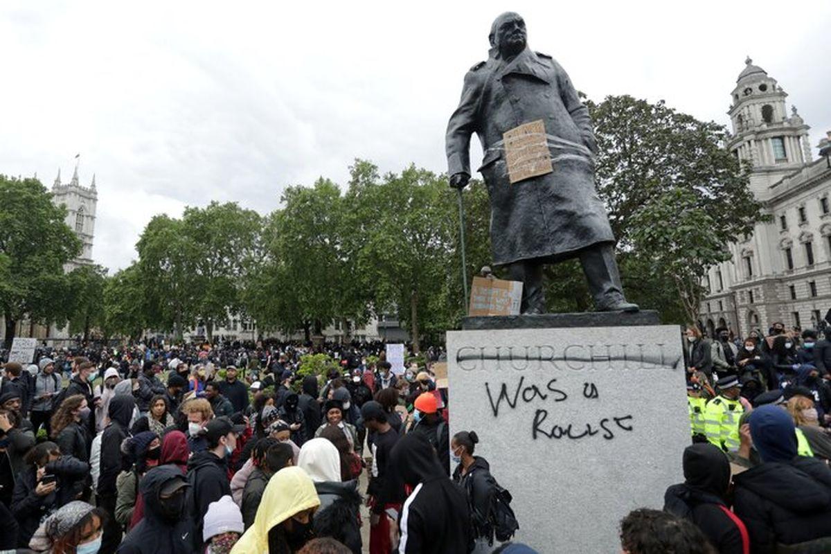 خروش انگلیسیها در اعتراض به نژادپرستی