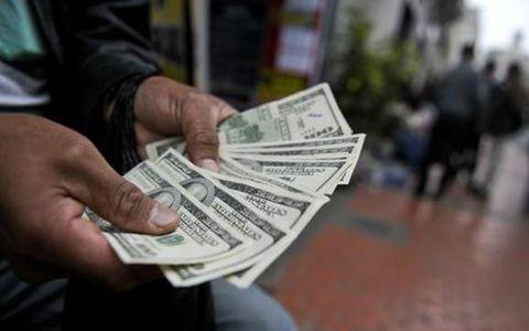 افزایش قیمت دلار در بازار غیر رسمی تا ۷۲۰۰ تومان