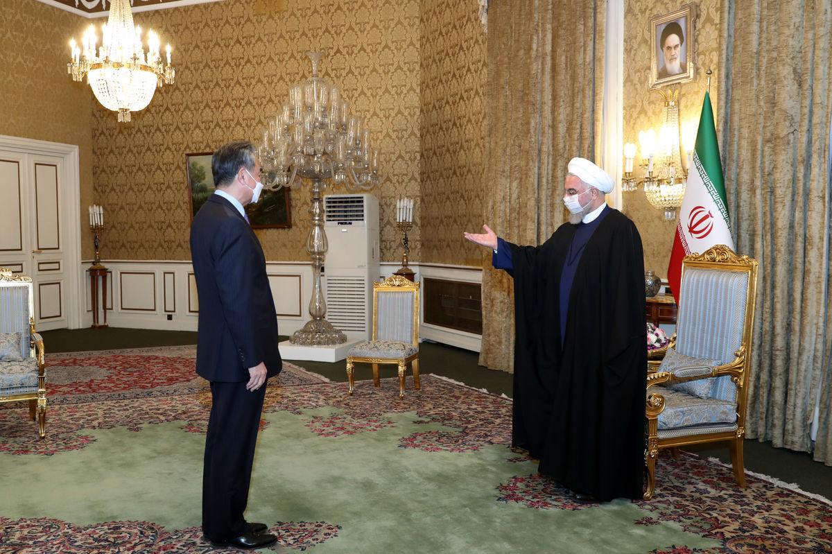 امضای قرارداد همکاری ۲۵ساله ایران و چین