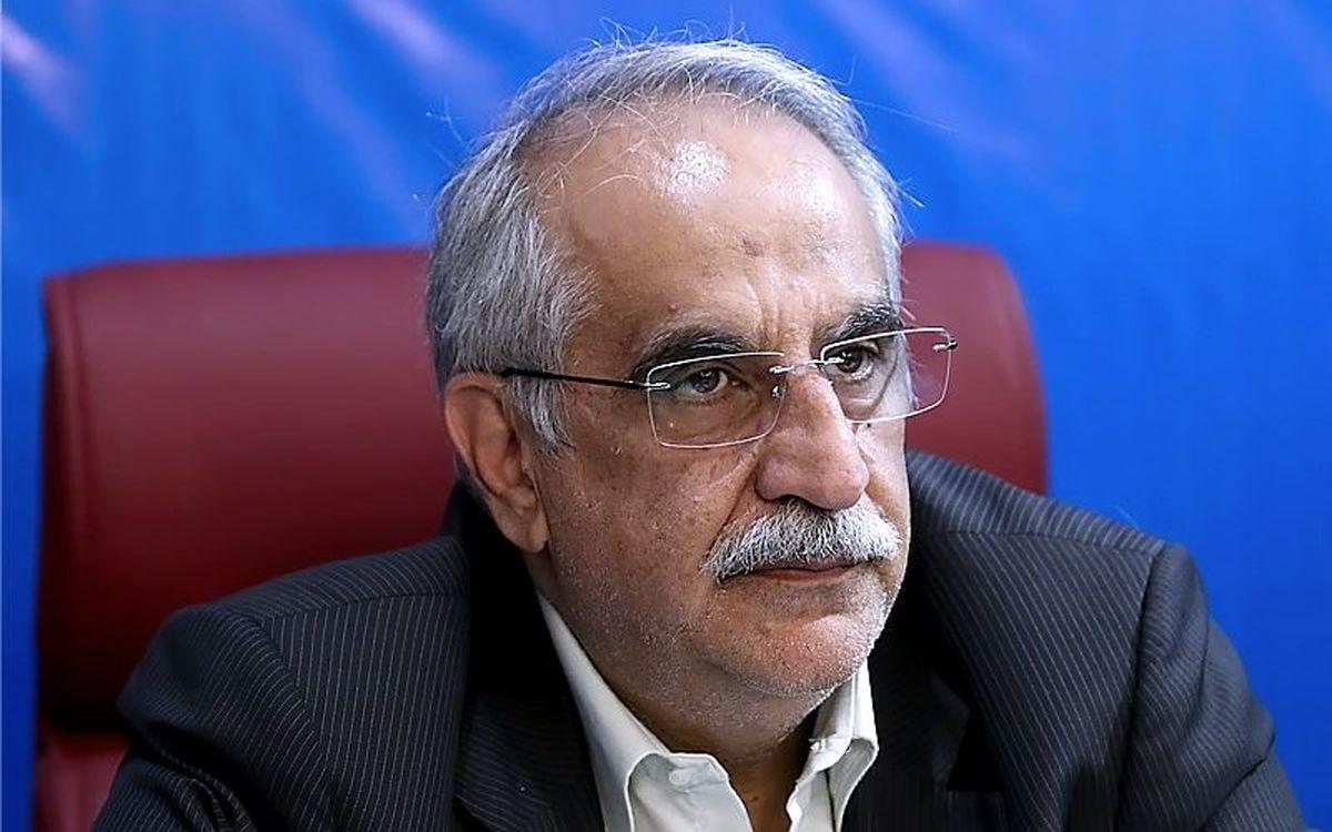 تجار نگران نباشند/ تصمیم ترامپ اقتصاد ایران را لرزان نمیکند