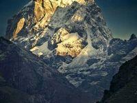 نمایی زیبا از قله اِورست +عکس