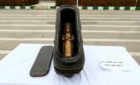 تصویری از یک تابوت مومیایی تقلبی در اصفهان +عکس