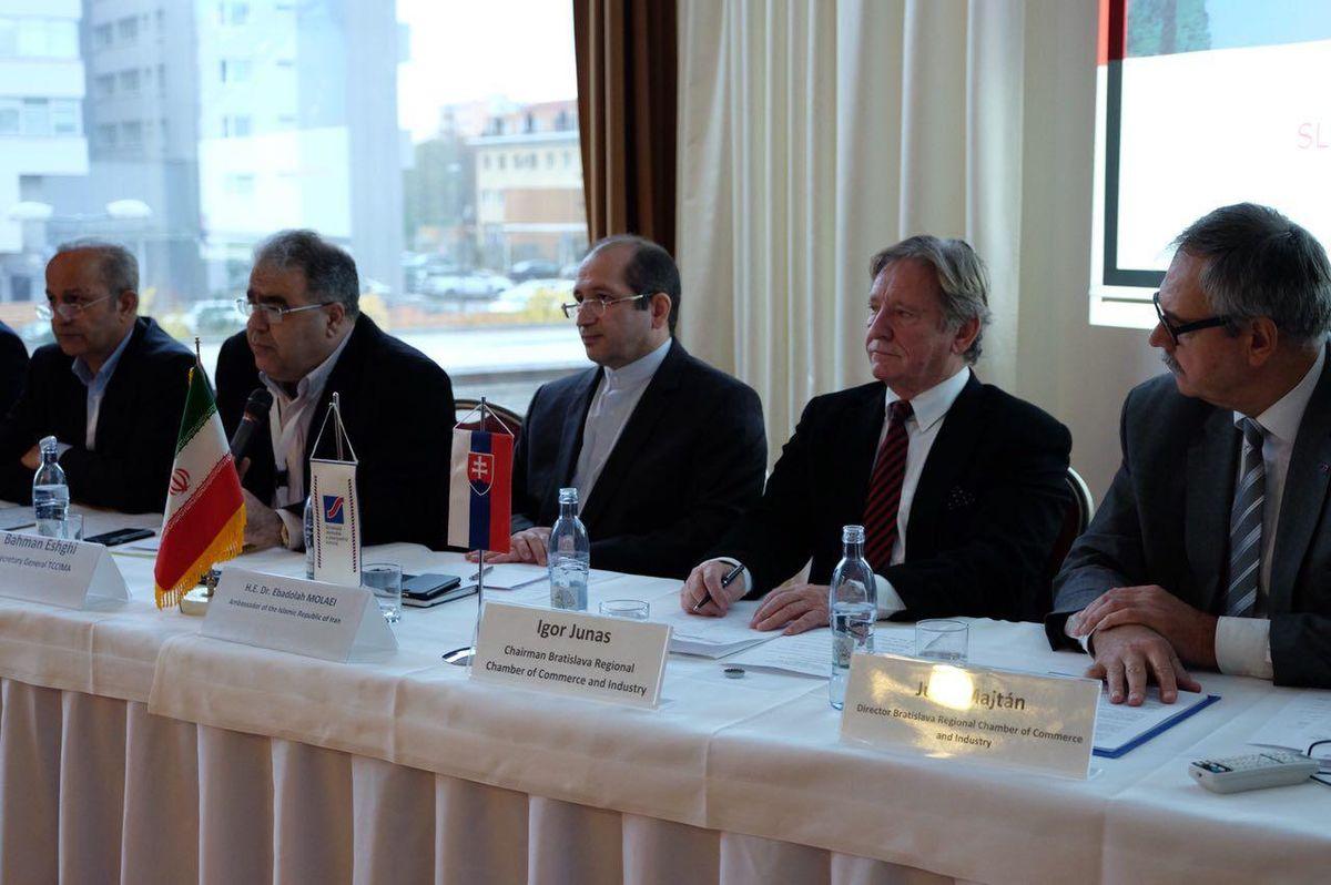 بررسی توسعه روابط تجاری با اتریش و اسلواکی