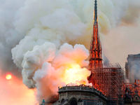 واکنش فرانسه به توئیت ظریف درباره نوتردام