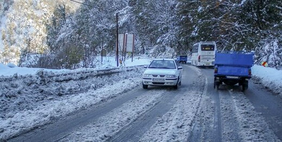 آغاز بارش برف و باران در محورهای مواصلاتی تهران
