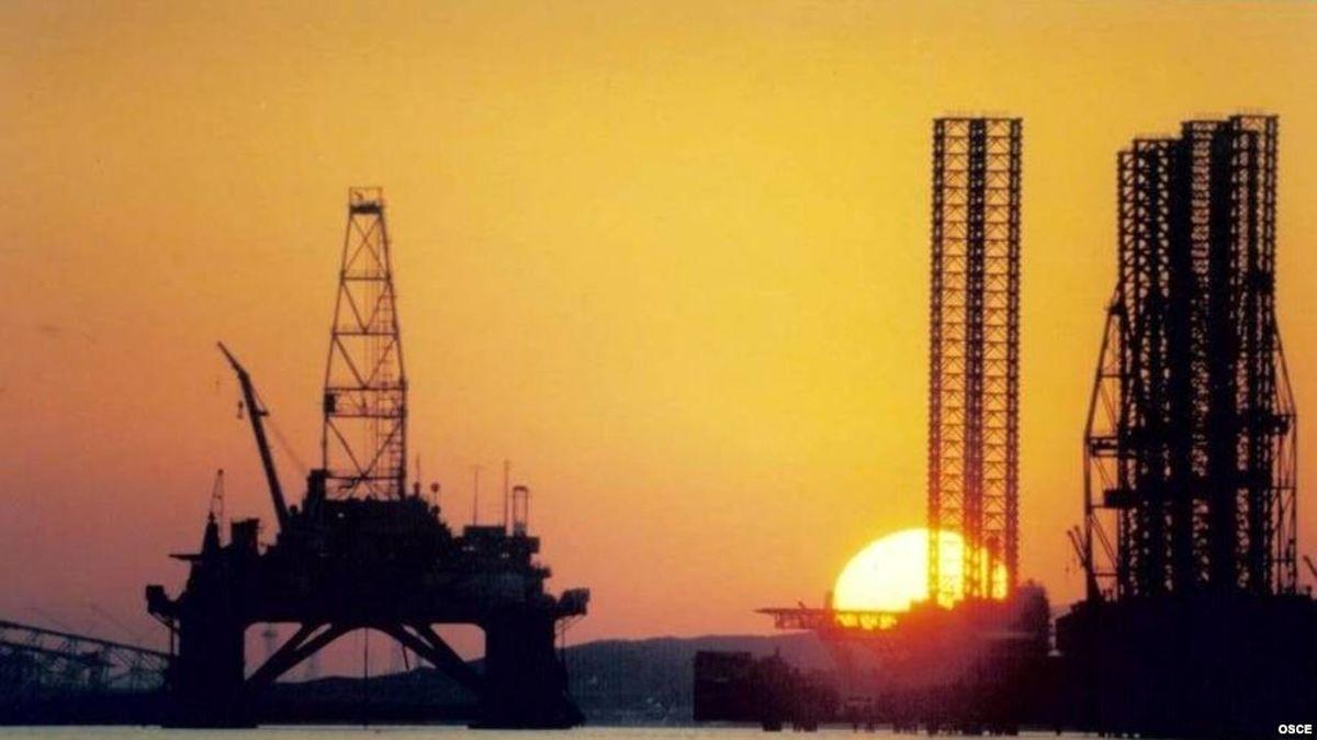 خطر پشت گوش صنعت نفت ایران