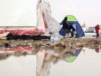 وضعیت چادرهای زلزلهزدگان در شب بارانی +فیلم