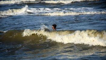 تفریح در منطقه شنا ممنوع! +تصاویر