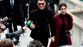 همسر رونالدو به شایعات پایان داد