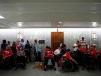 تحصن معلولان آمریکا در ساختمان کنگره +تصاویر