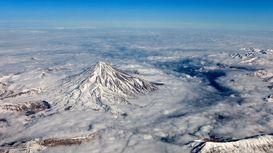 تصاویر هوایی از بالای قله دماوند +فیلم