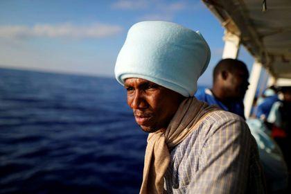 مهاجران سرگردان در دریای مدیترانه +تصاویر