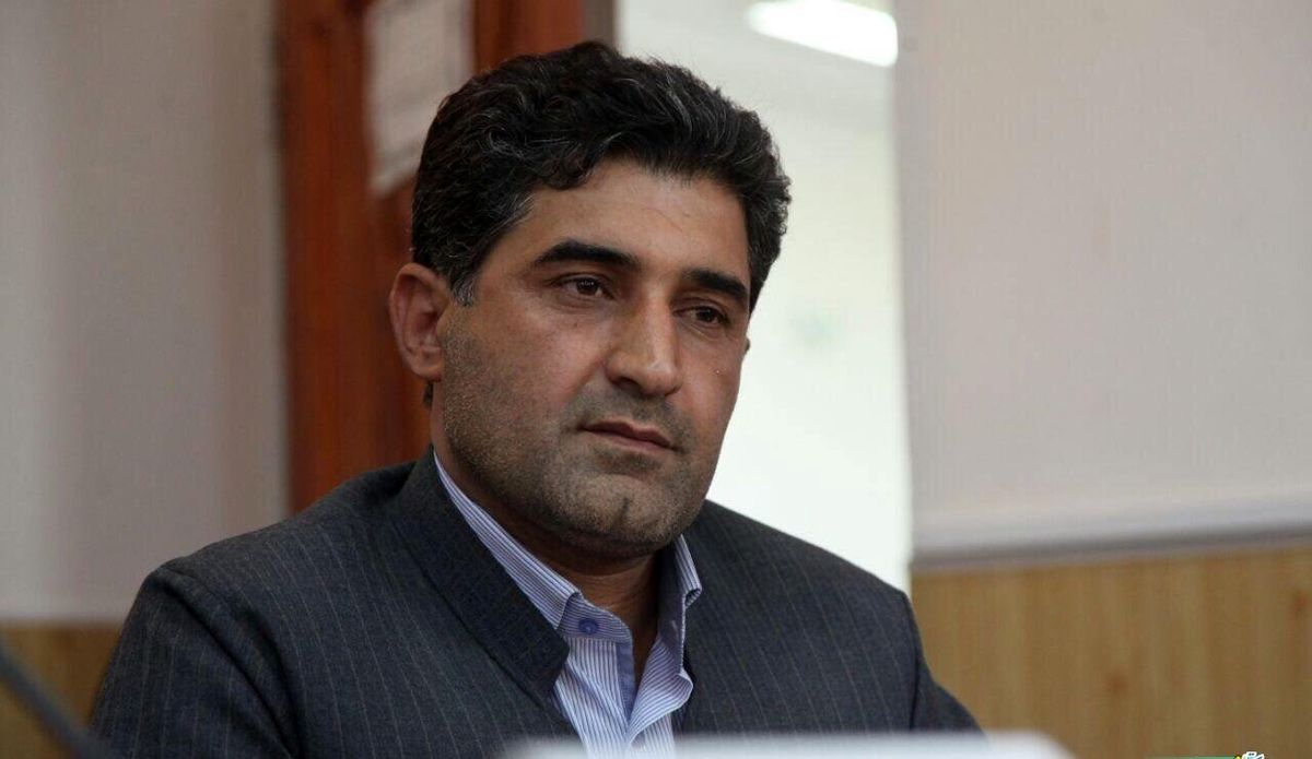 وزیر جدید اقتصاد در بازار ارز ثبات ایجاد کند/ ظرفیتهای کاهش نرخ ارز وجود دارد