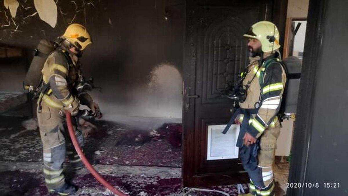 وقوع آتش سوزی در خوابگاهی در خیابان باهنر