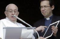 پاپ از اپلیکیشن دعا خواندن رونمایی کرد! +عکس