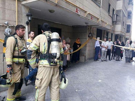 آتشسوزی در ساختمان ۱۰طبقه و نجات ۳۰نفر +تصاویر
