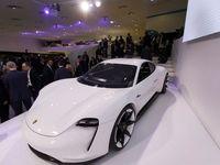 استقبال 20هزار خریدار از خودرو الکتریکی