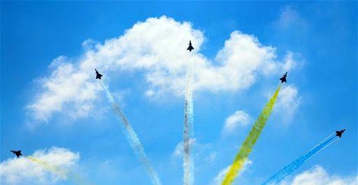 نمایش جنگنده ها