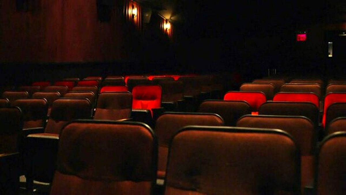 سینماها در شهرهای زرد بازگشایی میشود