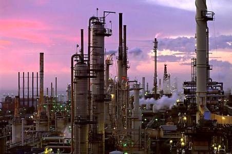 تغییر مدیرعامل پالایشگاه شازند نشان از بیثباتی مدیریت در نفت است/ عدم هماهنگی با مسئولین استانی