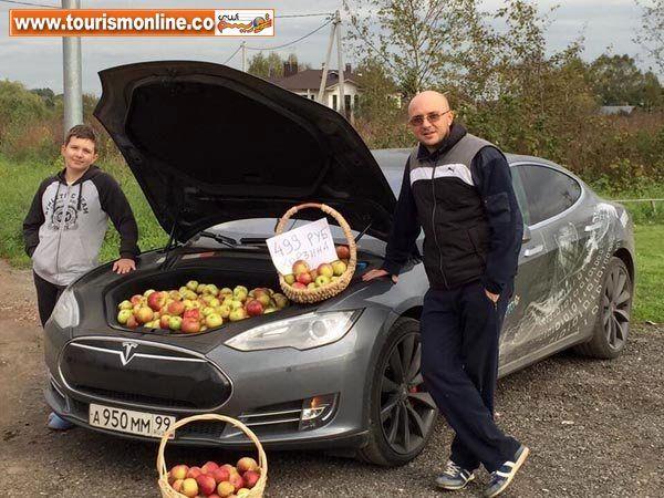 :میوه فروشی در این خودرو لوکس و میلیاردی!