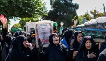 تشییع نمادین شهدای کربلا توسط قوم بنی اسد +تصاویر