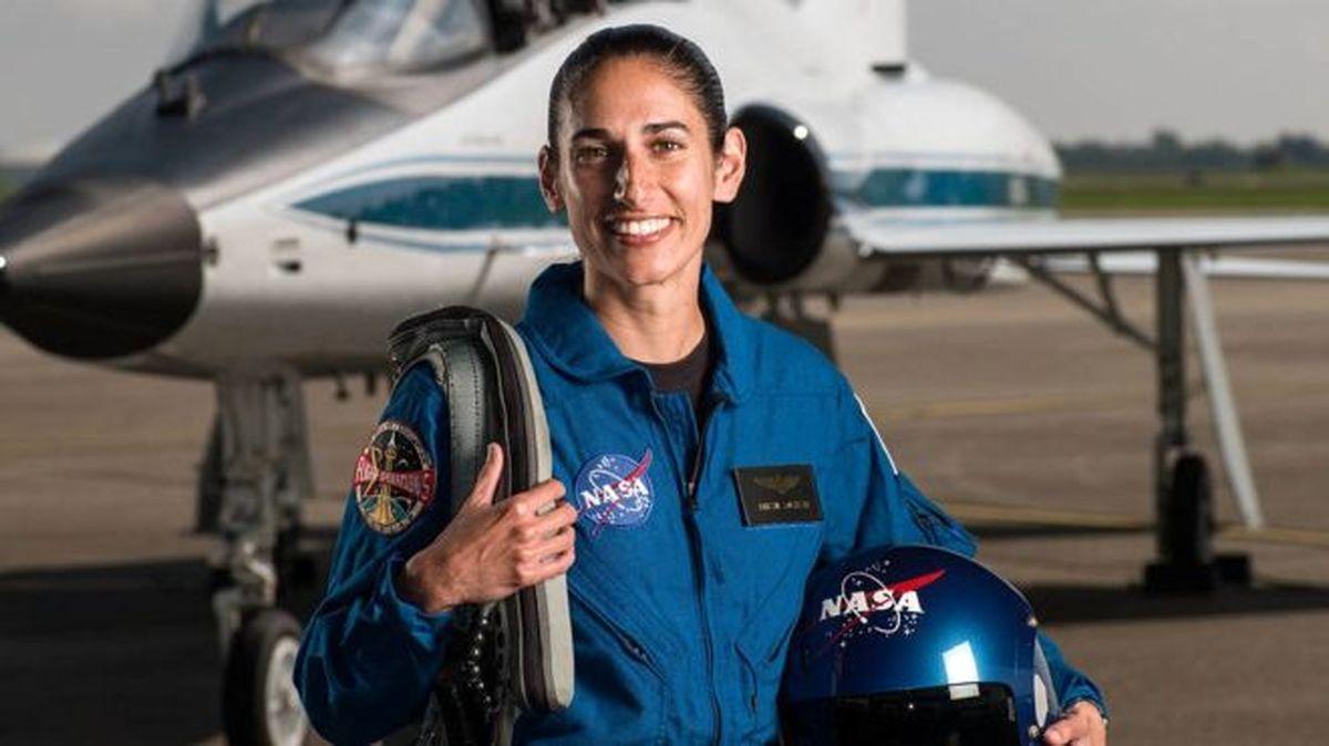 نخستین فضانورد زن ایران +عکس