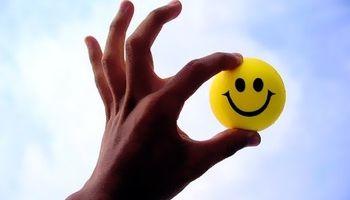 آمار واقعی از فاصله زیاد ایرانیها با شادی