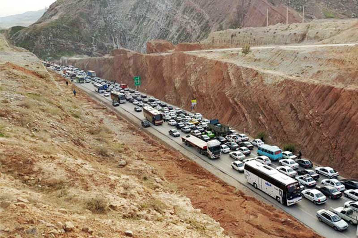 ترافیک نیمه سنگین در محور ایلام-مهران
