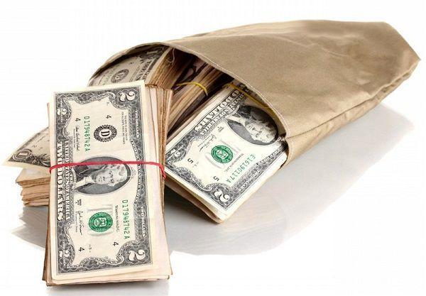 پیش بینی دلار ۴۴۵۰ تومانی برای سال آینده