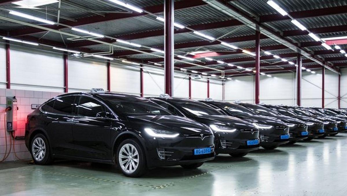 بهکارگیری تاکسیهای برقی تسلا در فرودگاههای هلند