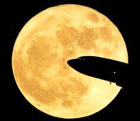 عیار مواد معدنی در کره ماه نسبت به زمین بیشتر است/ تلاش توافقنامه آرتمیس برای تاسیس ایستگاههای فضایی در آسمان